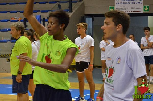 Tai Aguero e volley camp